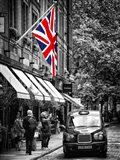 London Taxi and English Flag