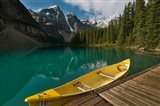 Canoe along Moraine Lake, Banff National Park, Banff