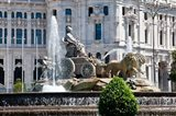 Spain, Madrid Plaza de Cibeles with Fuente de Cibele