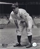 Lou Gehrig - Hands on knees