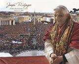 Pope Benedict XVI - Horiz.(Crowd)