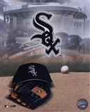 Chicago White Sox - '05 Logo / Cap and Glove