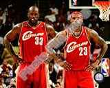 LeBron James & Shaquille O'Neal 2009-10 Group Shot