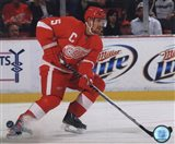 Nicklas Lidstrom 2010-11 Action