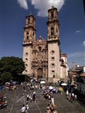Group of people in front of a cathedral, Santa Prisca Cathedral, Plaza Borda, Taxco, Guerrero, Mexico