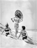 1920s Three Smiling Women In Swimsuits At The Beach