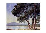 The Beach in Juan-les-Pins Art Print