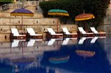 Outdoor swimming pool at Oberoi Amarvilas hotel, Agra, India Art Print