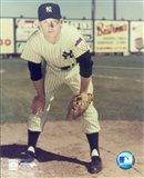 Mickey Mantle - #12 Hands on Knees (young) Art Print
