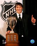 Alexander Ovechkin with the 2006 Calder Trophy Art Print