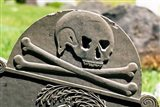 Skull And Crossbones Carved On Tombstone Art Print