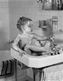 1940s Girl Sitting In Sink Lathered With Soap Art Print